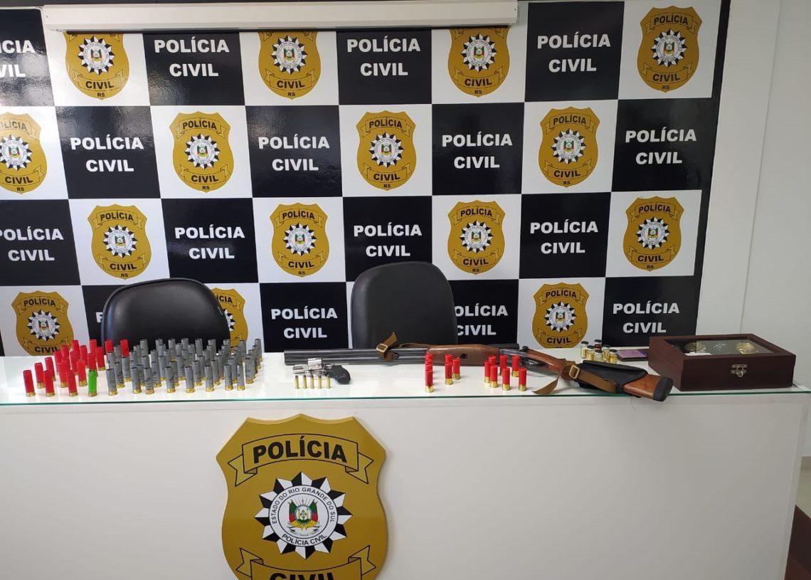 Apreensões feitas durante a operação: armas, munições e relógios de luxo (Fotos: Polícia Civil)